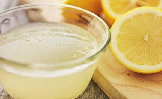squeeze-that-lemon-for-reducing-belly-fat