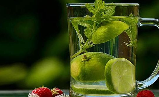 Daily-Detox-Tips-For-Women-To-Lose-Weight