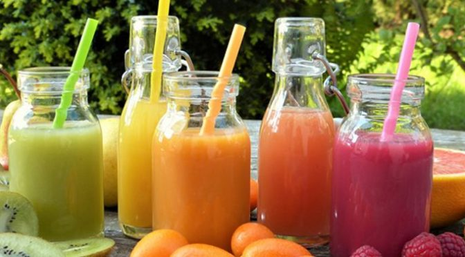 7 Raw Vegetable Juices That Detoxify Your Body