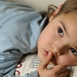 symptoms of bed wetting