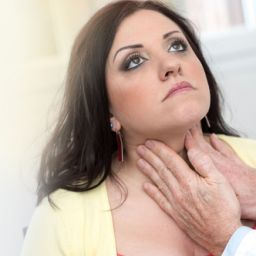 10 signs that point towards thyroid