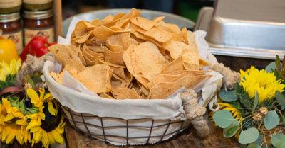 """Un seau de chips """"width ="""" 400 """"height ="""" 209"""