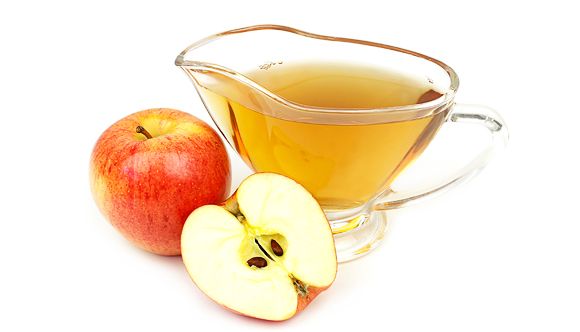 how to manage PCOS naturally - drink apple cider vinegar