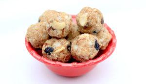 low-calorie mithais - oats sesame ladoos