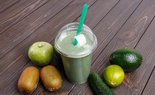 Apple-cucumber-smoothie