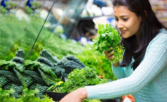 11 ways to shop and eat healthy