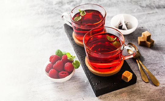Featured-image-hot-raspberry-tea-in-two-transparent-cups