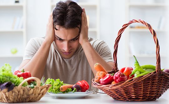 Featured-image-young-man-in-healthy-eating-for-website